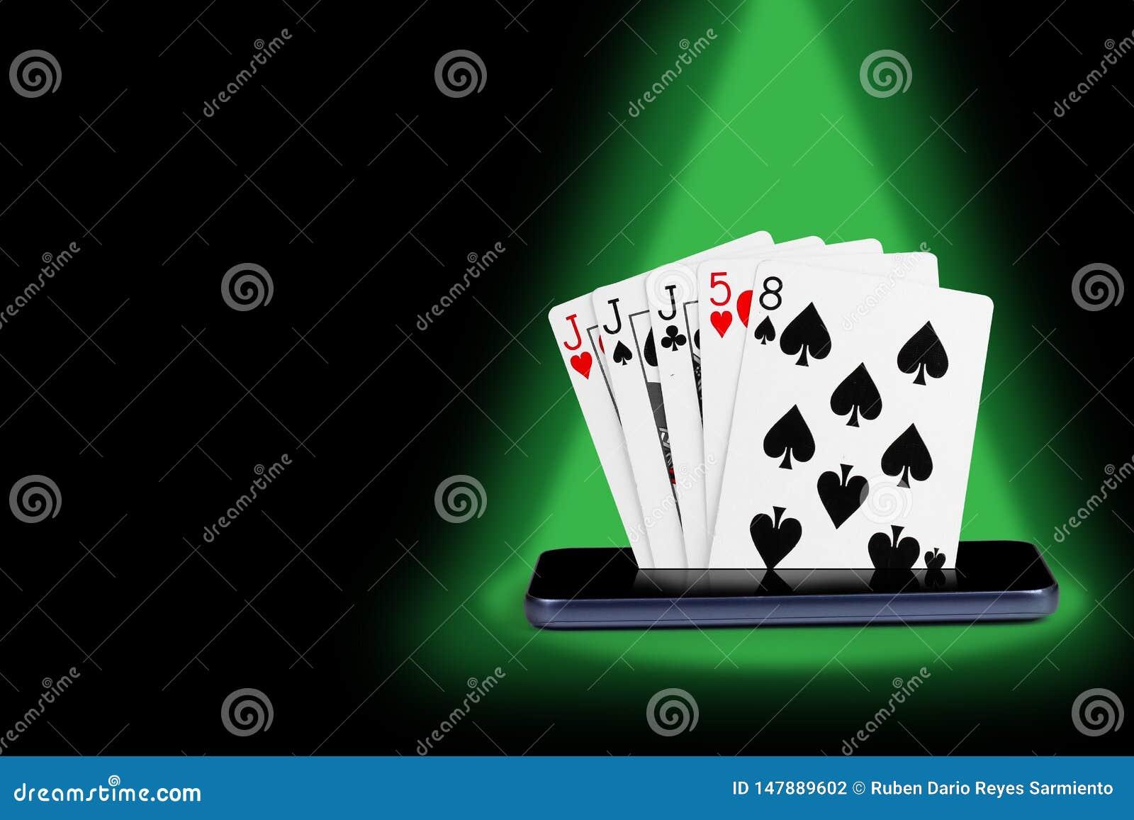 Smartphone z grzebak kartami, karcianej gry tercetu sztandaru królewskiego sekwensu online kasynowa ilustracja