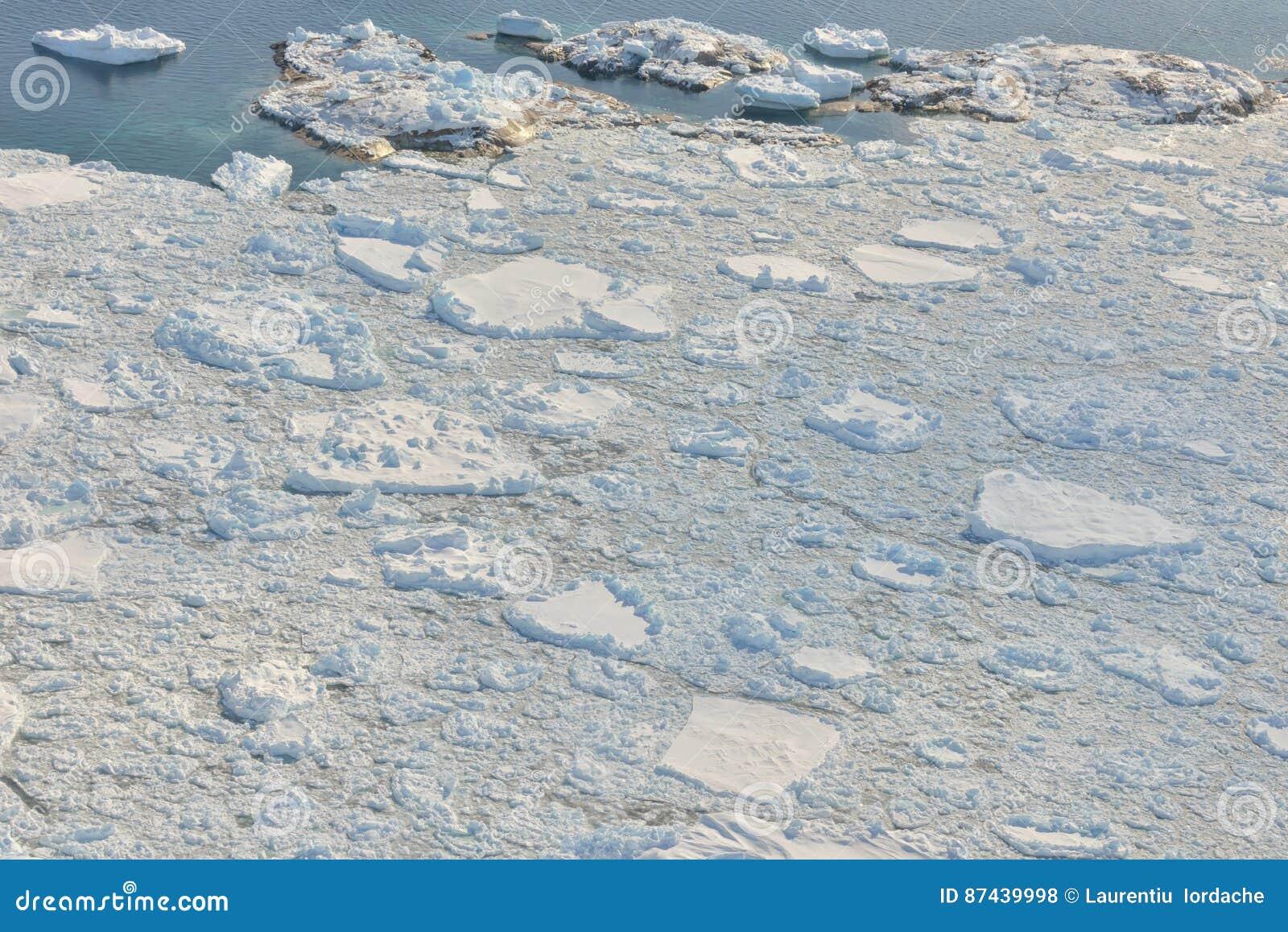Smeltend ijs over Groenland