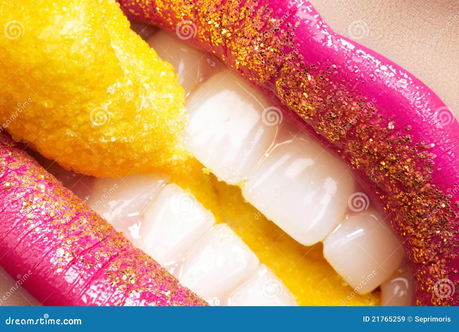 yellow glitter lips - photo #17