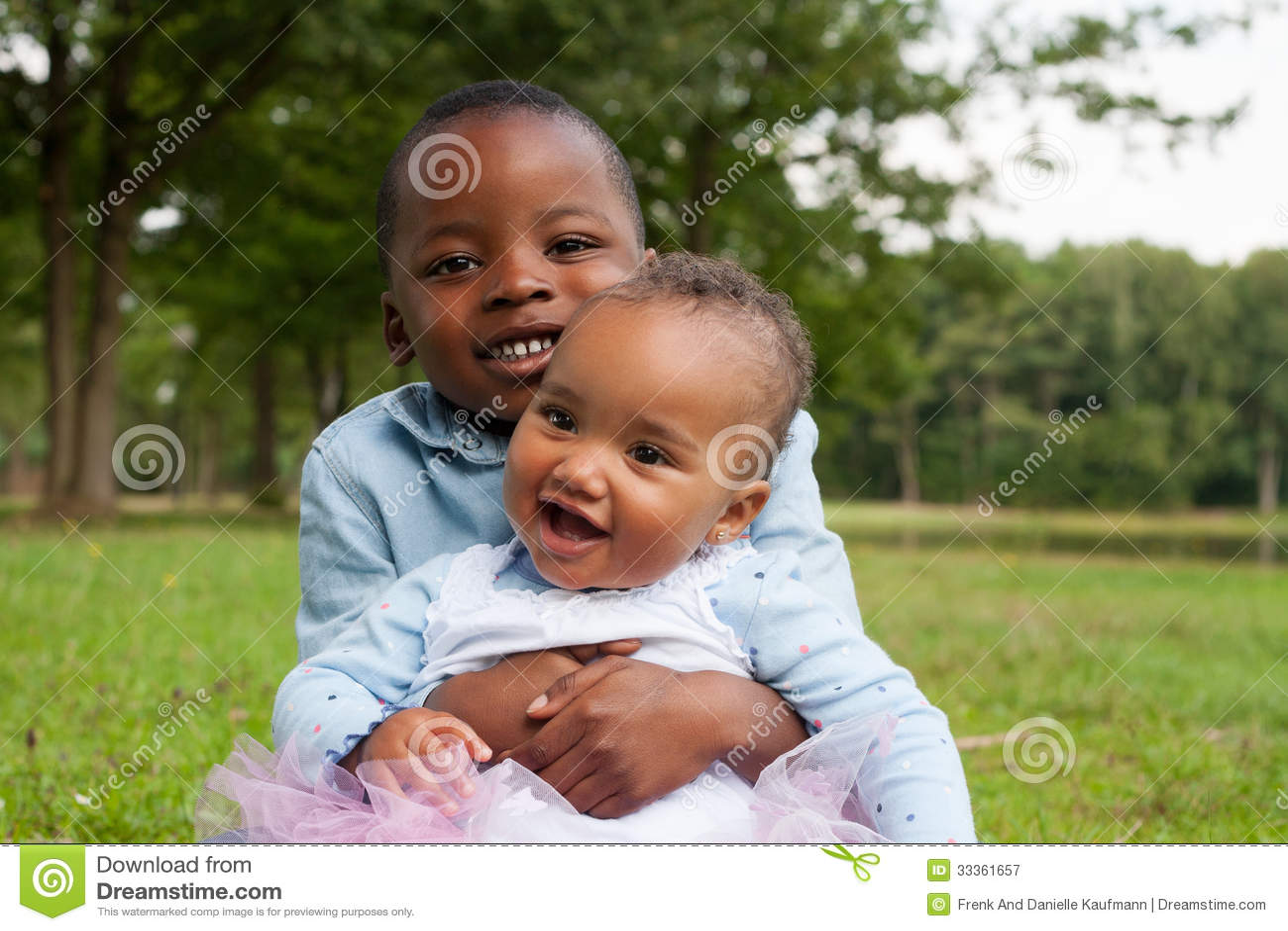 С сестрой мальчика 1 фотография