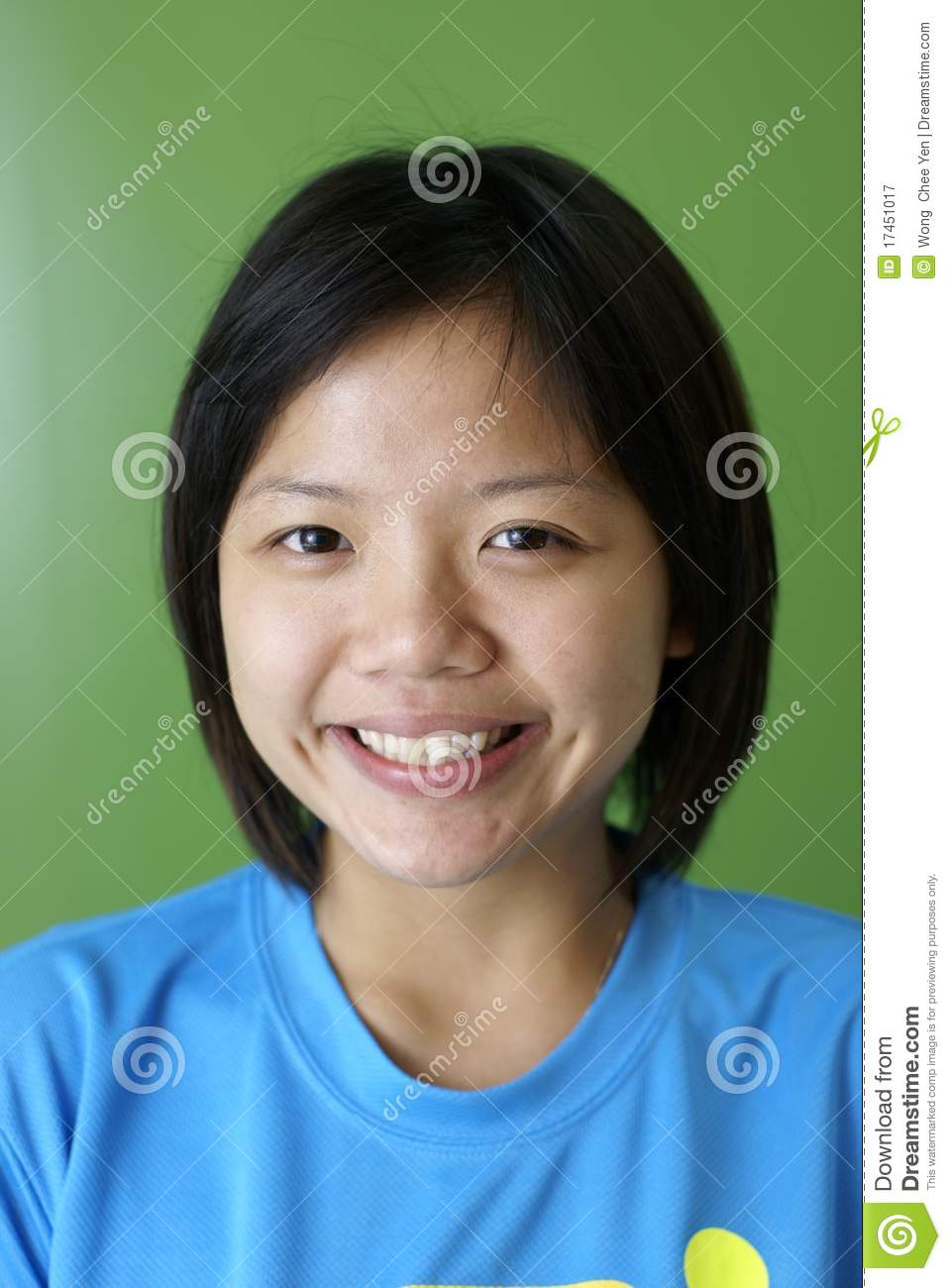 Smiling Asian Teen Girl Royalty Free Stock Photography