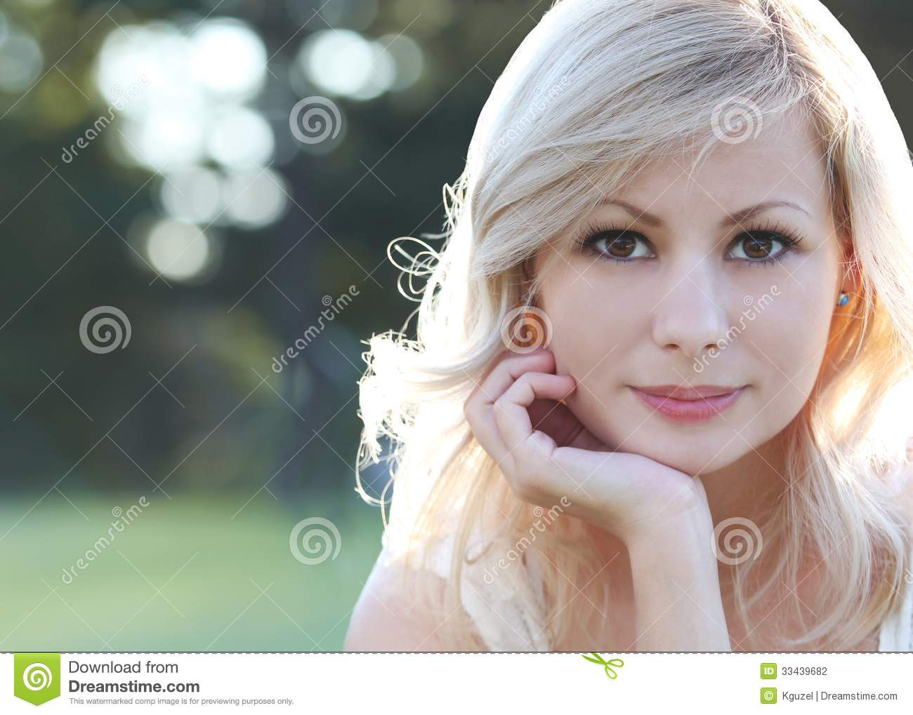 smiling-blonde-girl-portrait-happy-beautiful-young-woman-outdoors-bokeh-copy-space-33439682.jpg