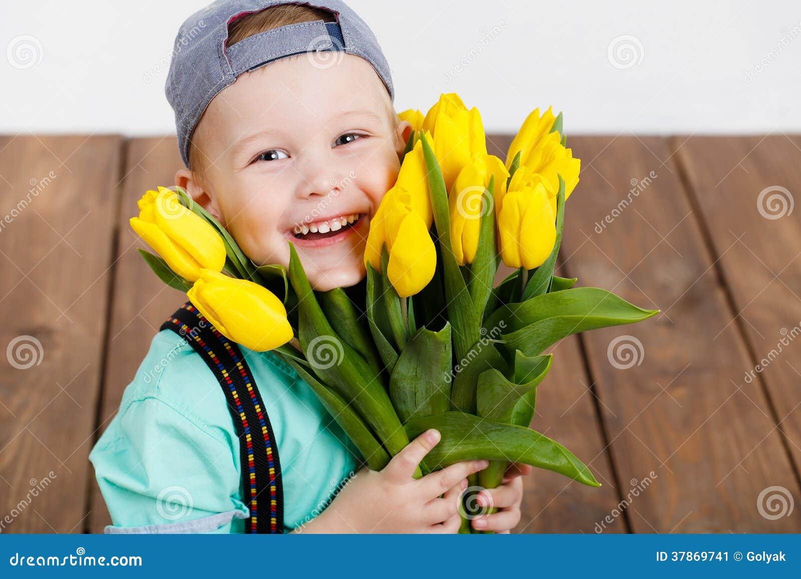 Дарят ли на свадьбу цветы: какие и 34