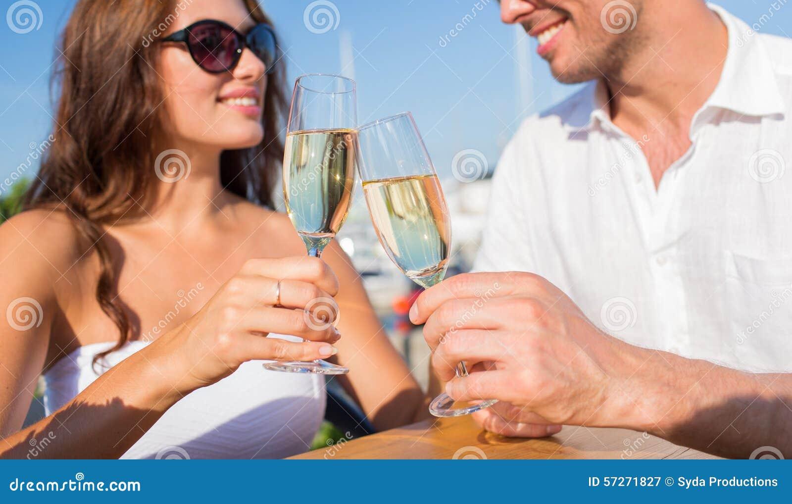 Single Dating und Blind Date - Spannende Formen des Kennenlernens ...