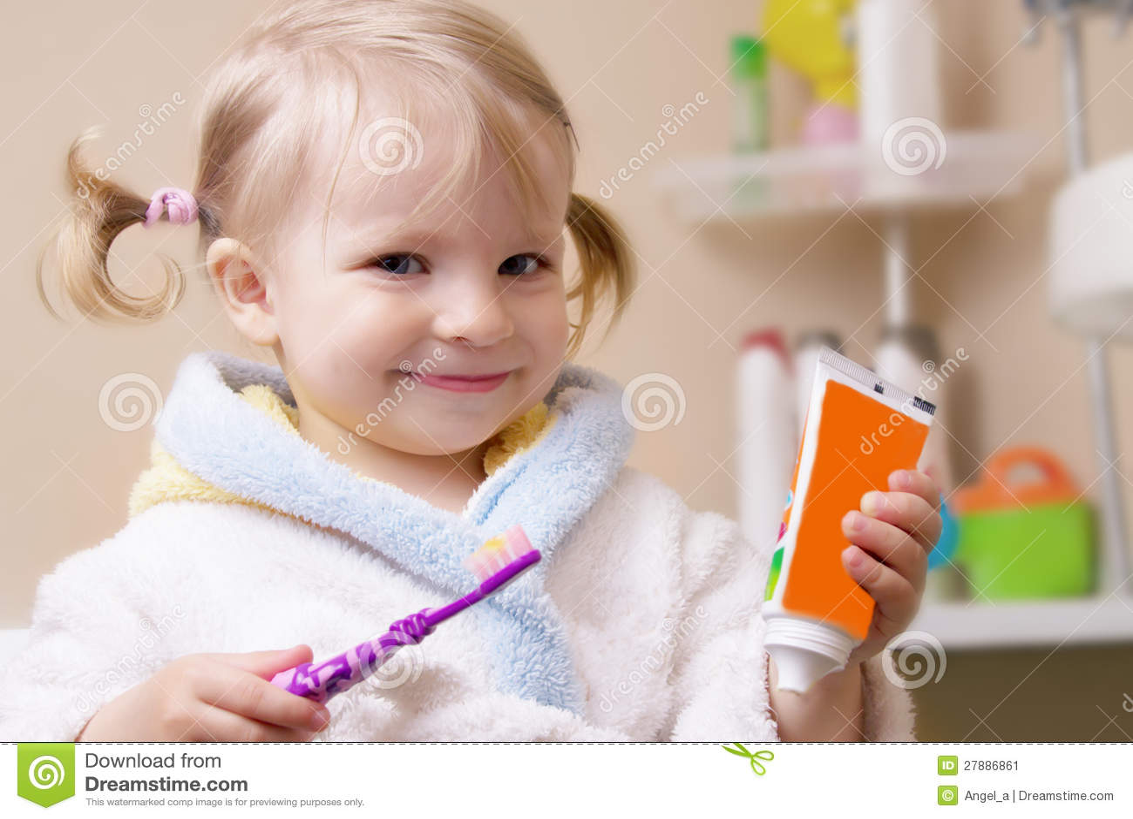 Почистить зубки не даёт 17 фотография