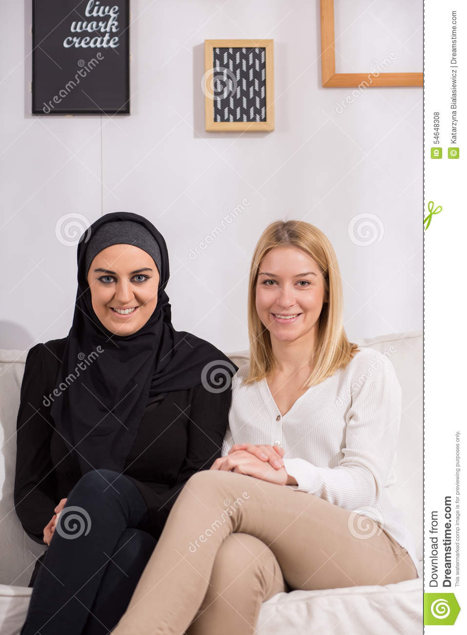 muslim dating a christian girl Bill gates daughter is dating a muslim guy these include in particular muslim women with jewish, christian, hindu, jain and men of other faiths.