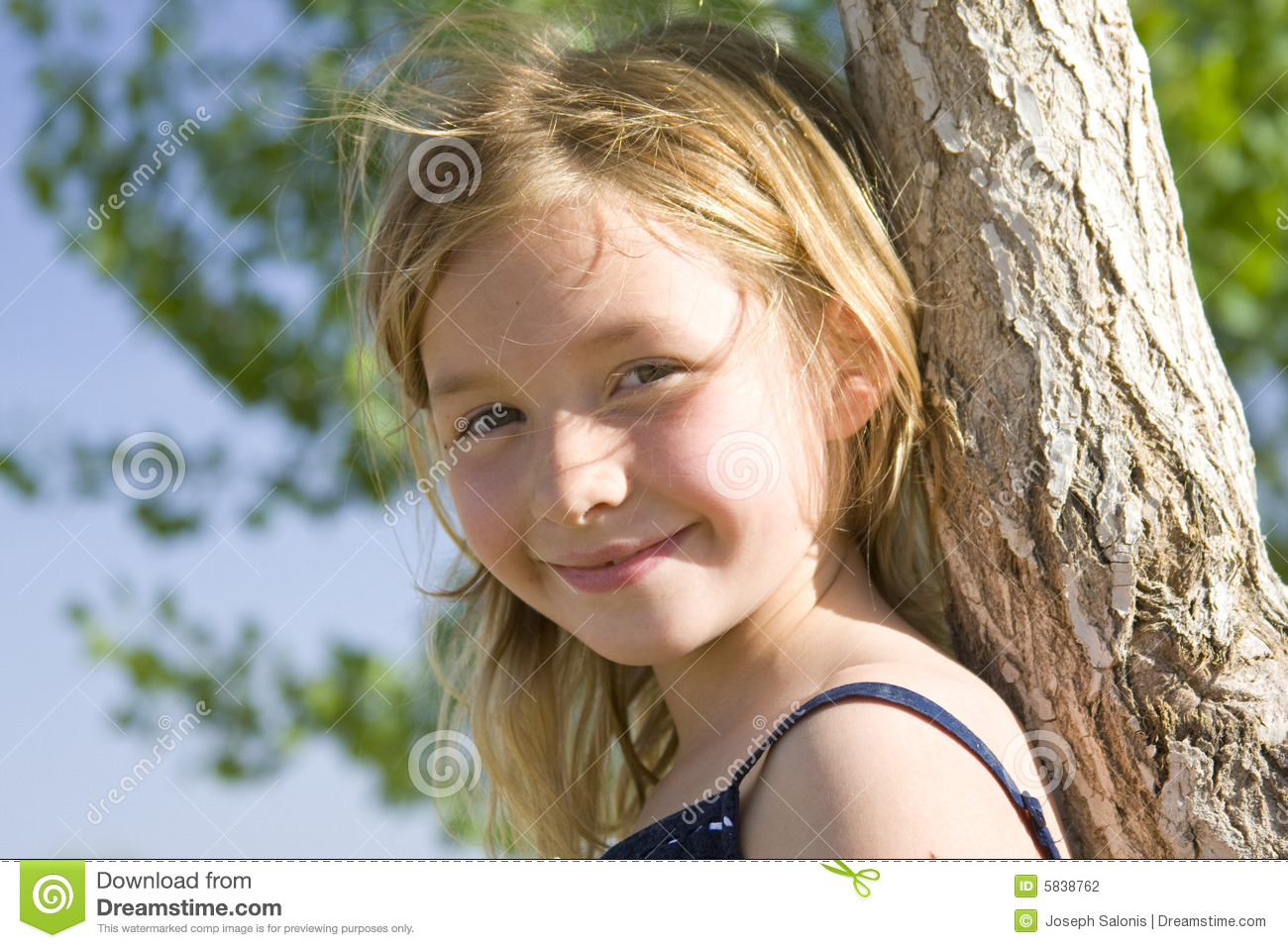 Hair Style 6 Year Girl: Smiling Six Year Old Girl Stock Photography