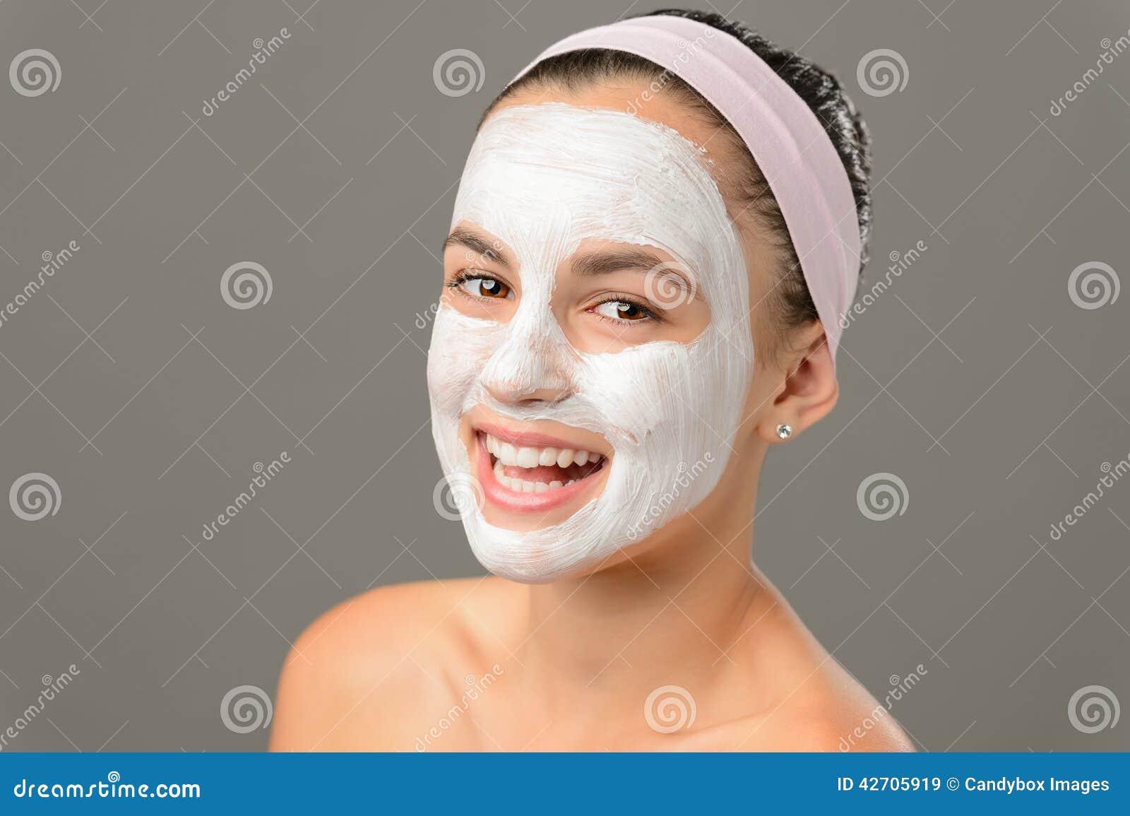 Простые маски от прыщей и чёрных точек в домашних условиях