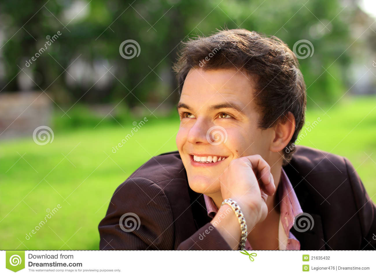 Smiling young man stock photography image 21635432