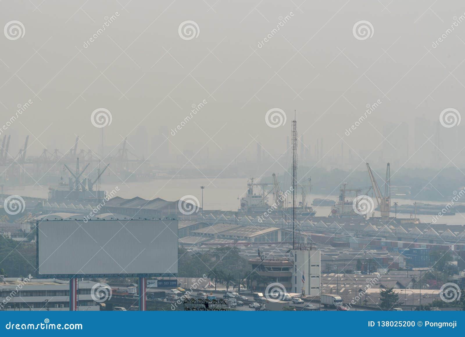 Smog PM2 damm 5 att överskrida standart värde av Bangkok