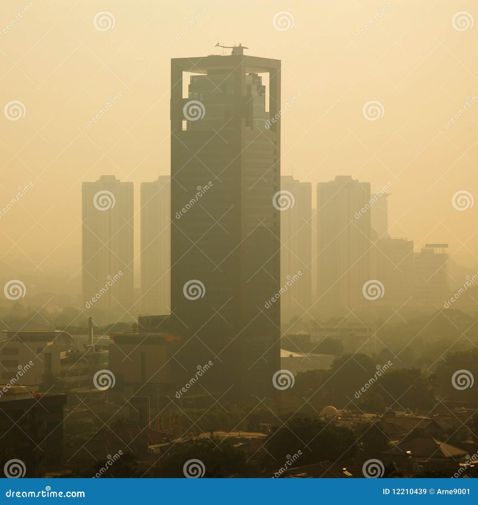Smog-Sonnenaufgang