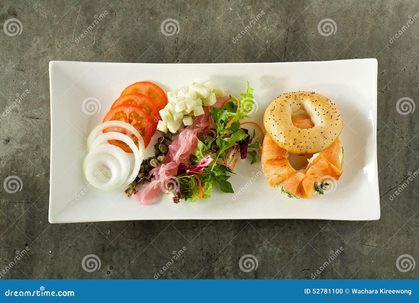 Smoke salmon with salad