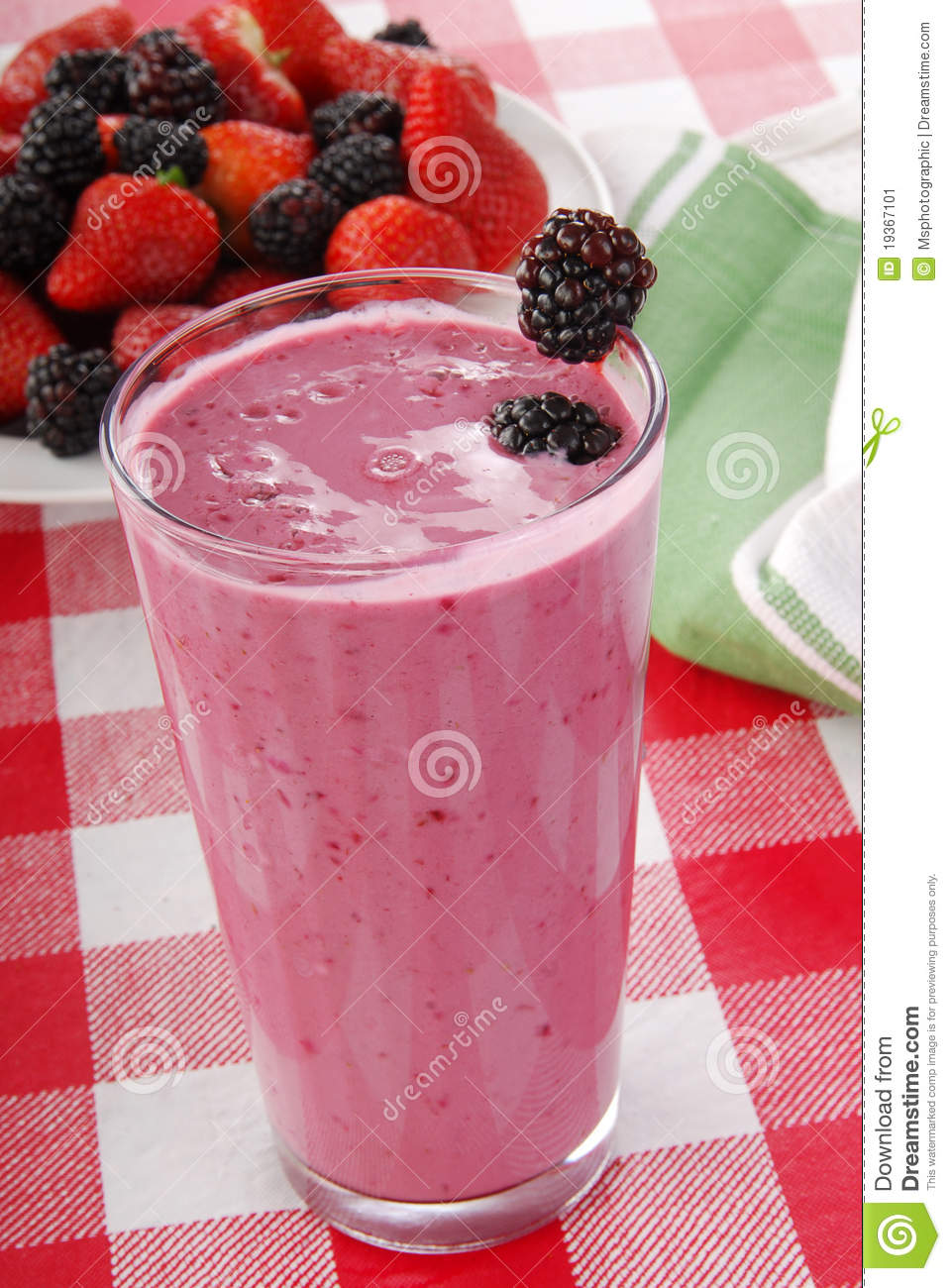 Smoothie do Yogurt com amoras-pretas