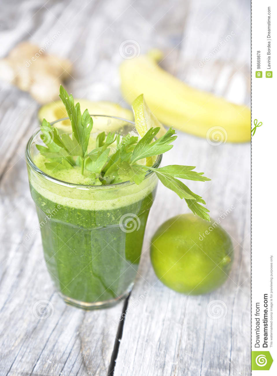 Smoothie with lime, avocado and banana