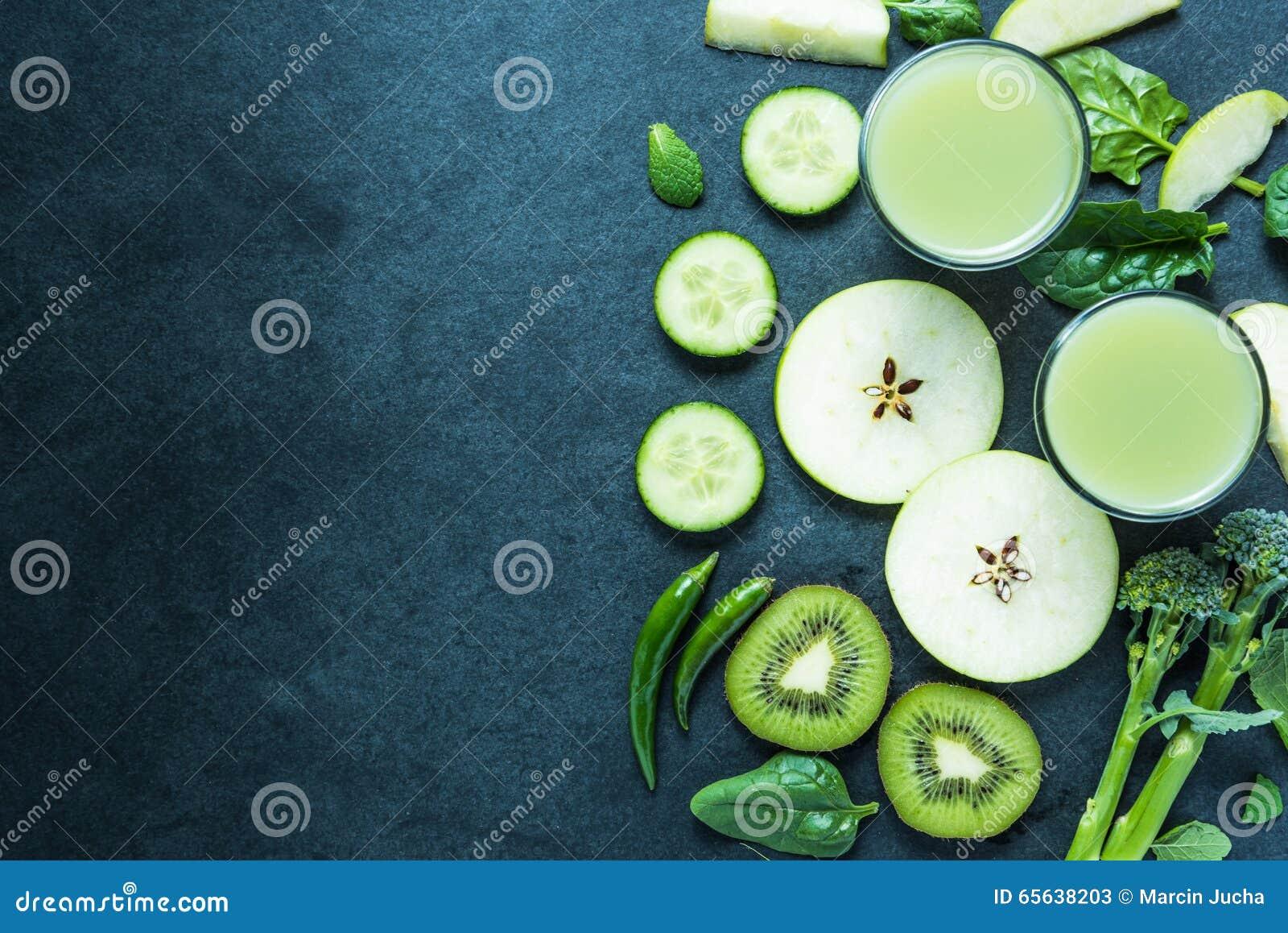 Smoothie vert, fond sain de nourriture