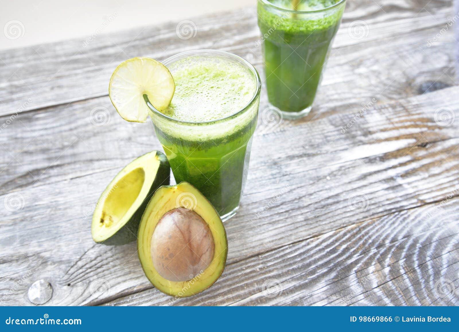 Smoothie z avocado