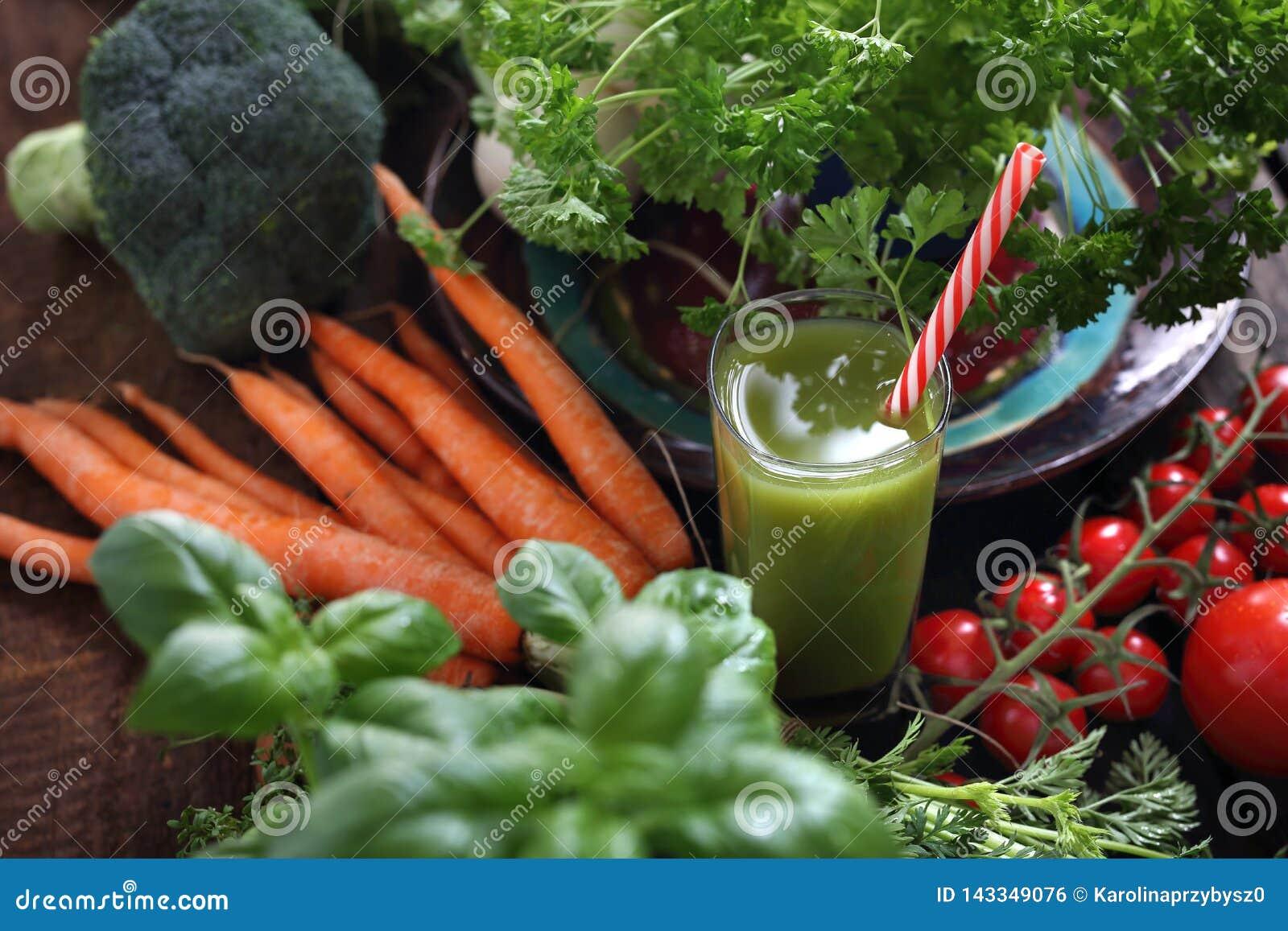 Smoothie zielony warzywo Organicznie warzywa prosto od ogródu i szkła napój