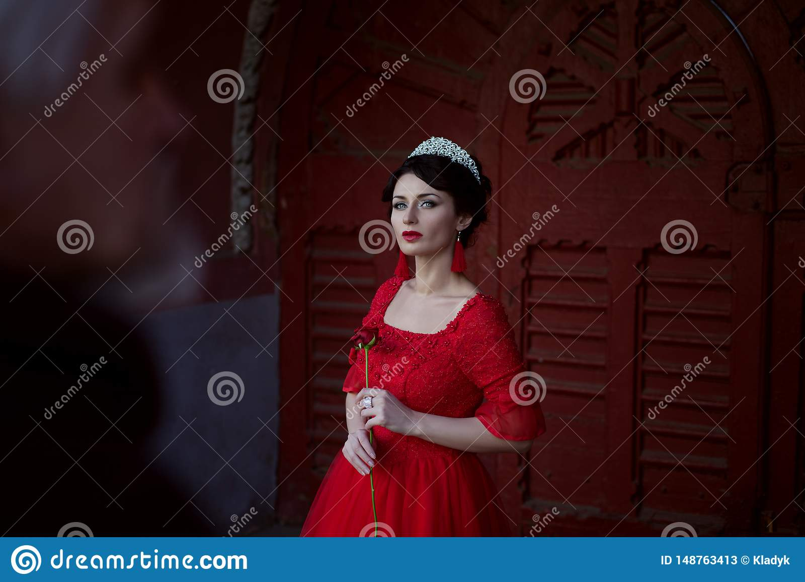 Smutny princess z różą