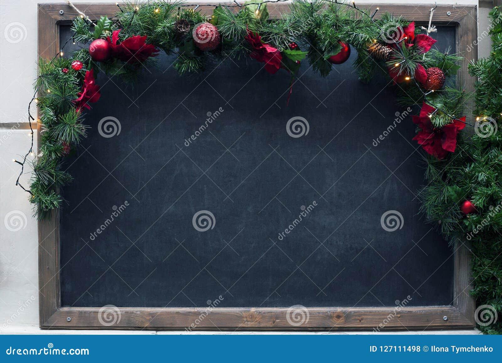 Smutsig skola för blackboard Jul tömmer den svarta modellen