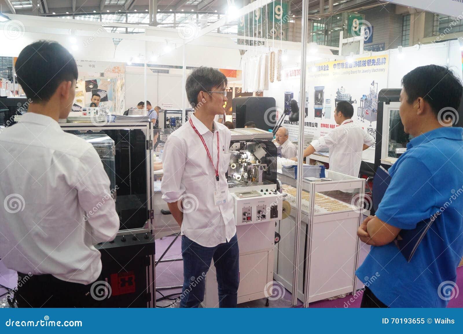 Smycken och jade som bearbetar maskineriutställningförsäljningar