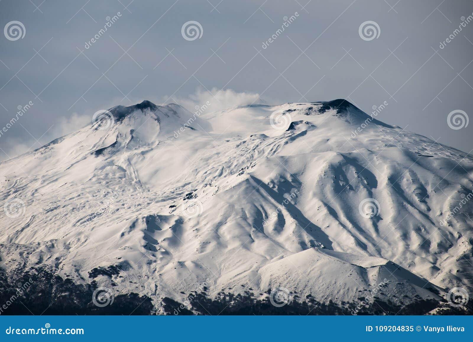 Snö på Mount Etna, Sicilien