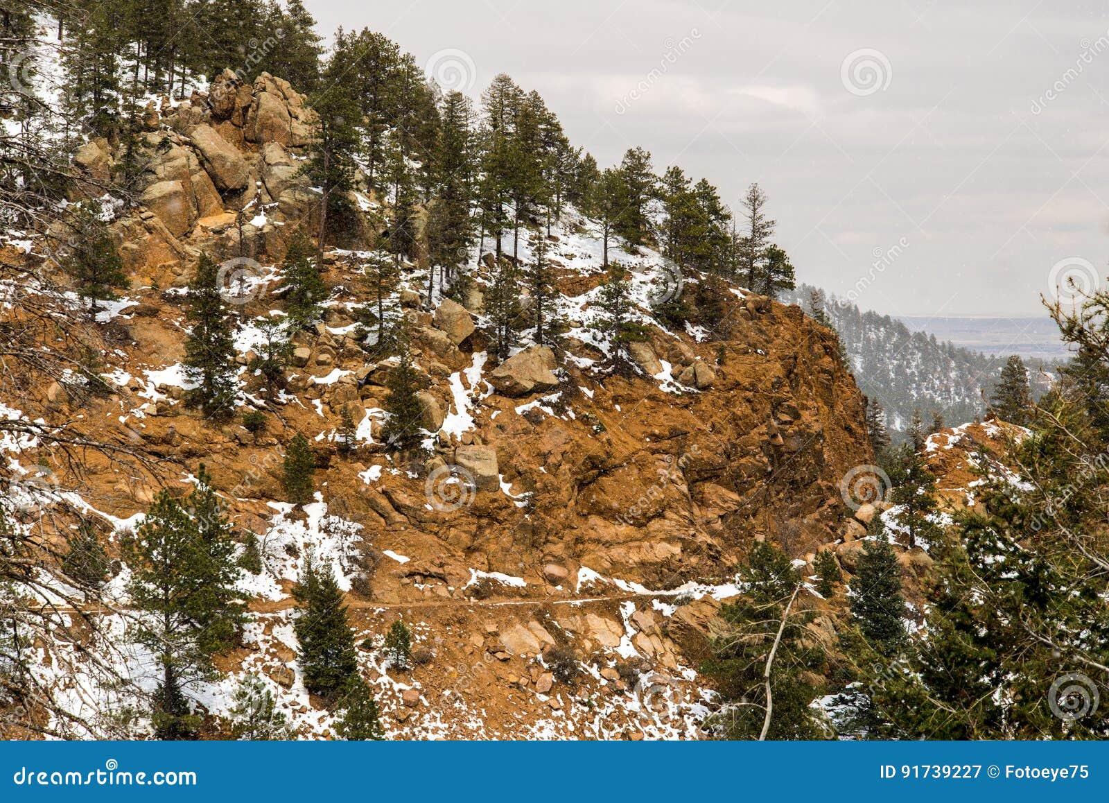 Snöa på Cheyenne Mountain Colorado Springs