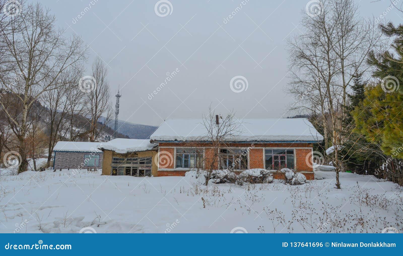 Snöby i det Mohe länet, Kina
