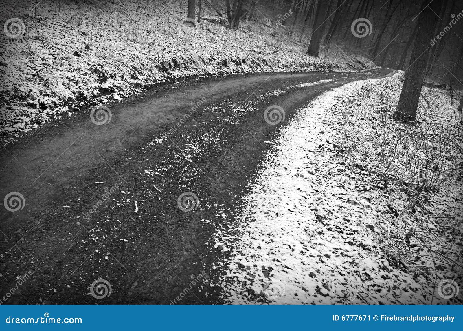 Snöig vinter för väg