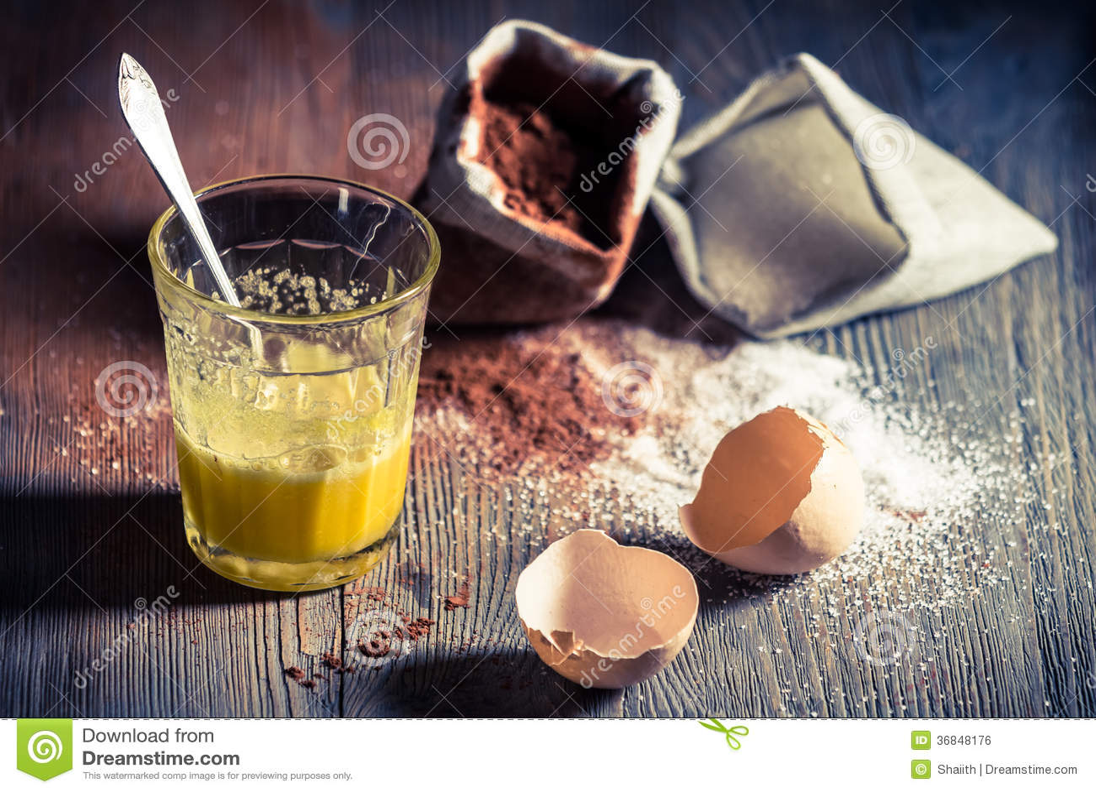 Snabb efterrätt som komponeras av ägget och socker