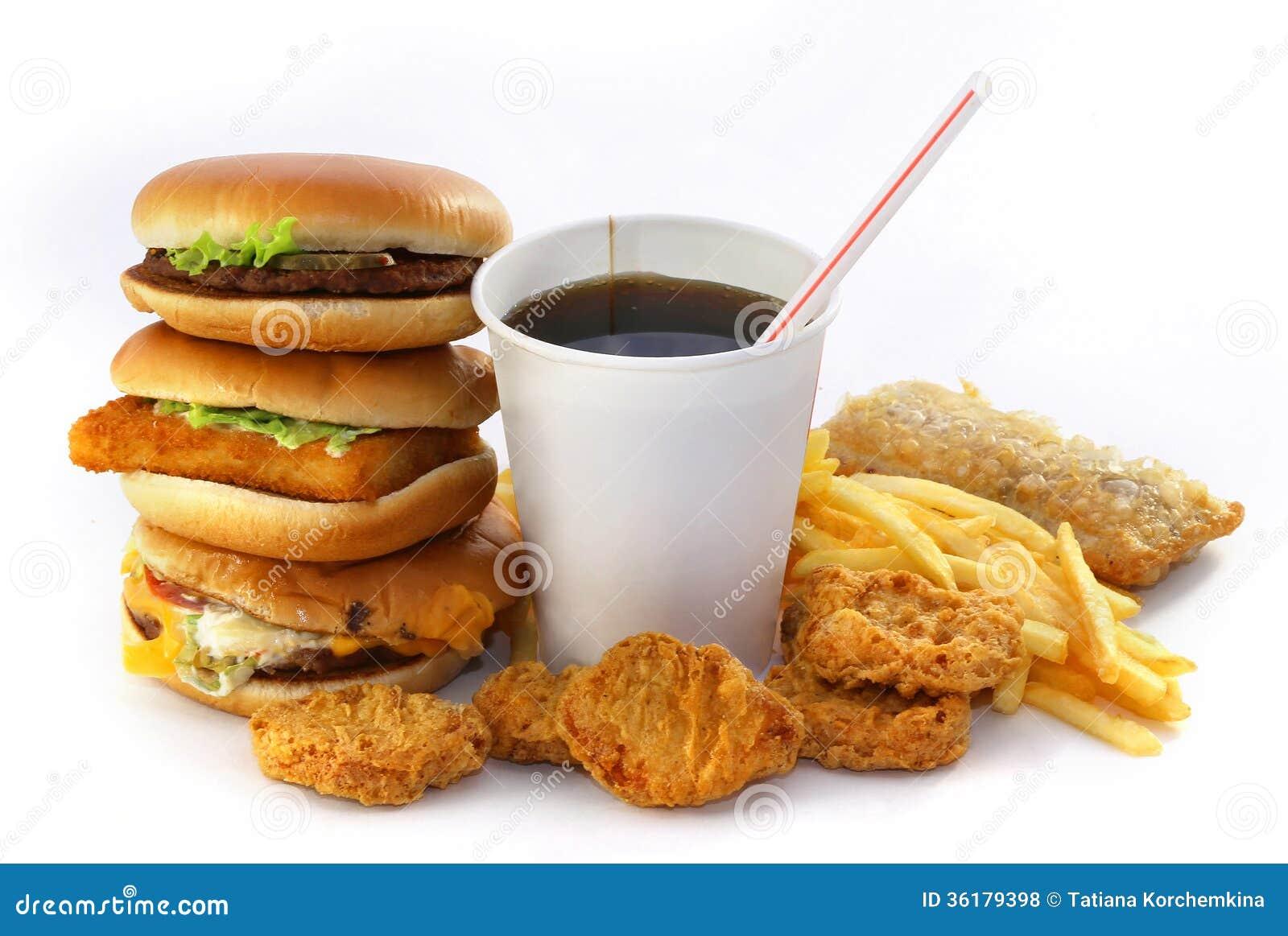 Snabbmatgrupp med en drink och en hamburgare