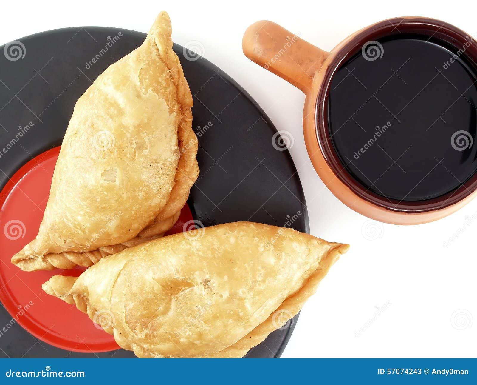 Snack en voedsel met zwarte koffie