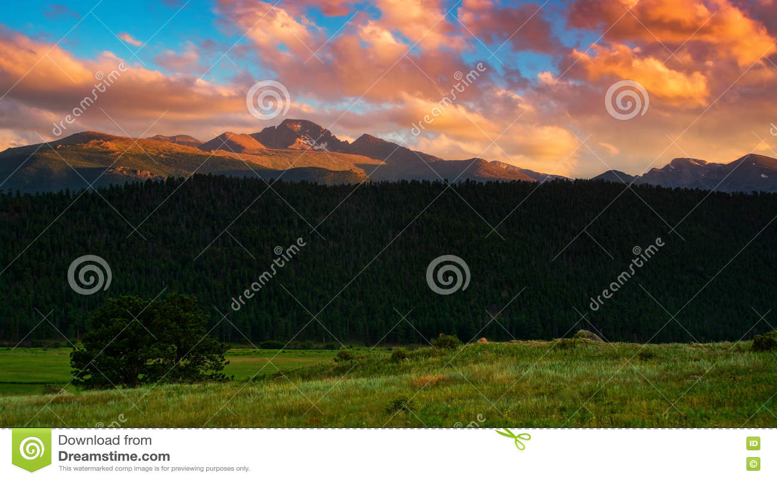 Snakt Piek bij Zonsondergang