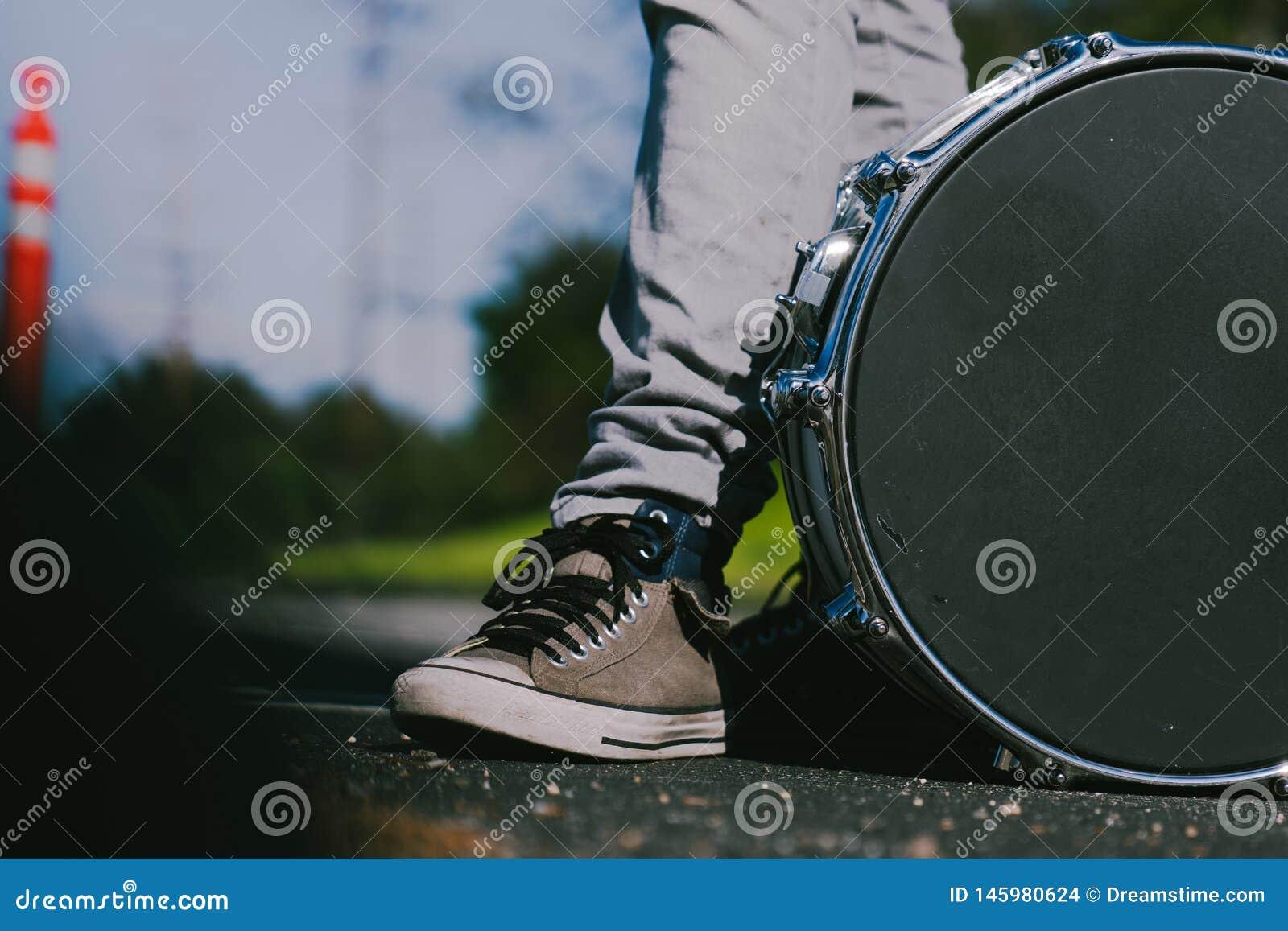 Snare στο δρόμο