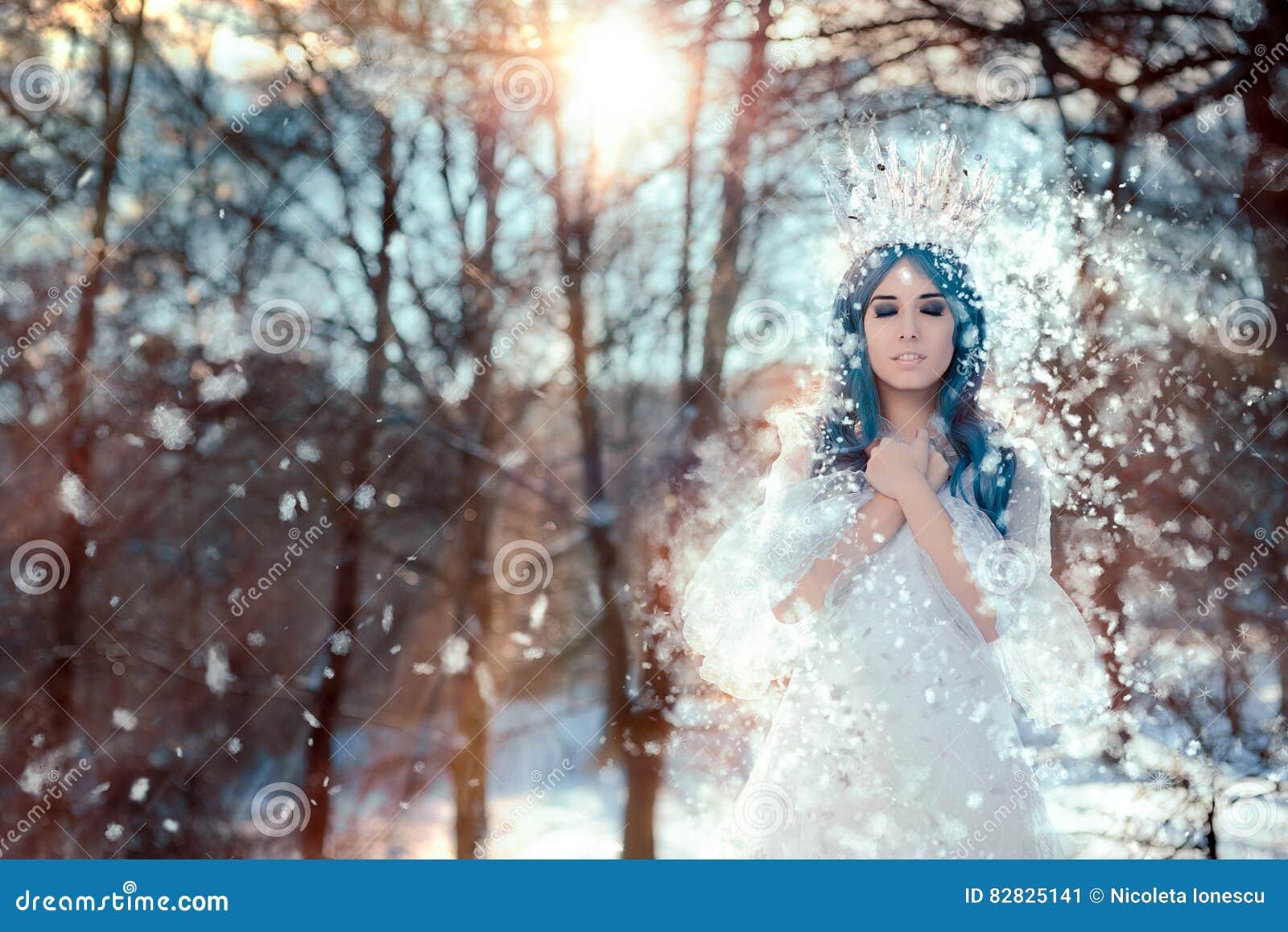 Sneeuwkoningin in het Landschap van de de Winterfantasie
