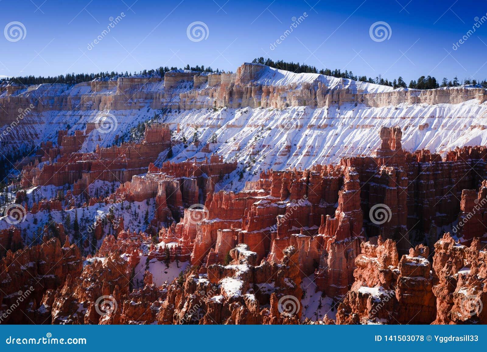 Sneeuwrand van Bryce-canion