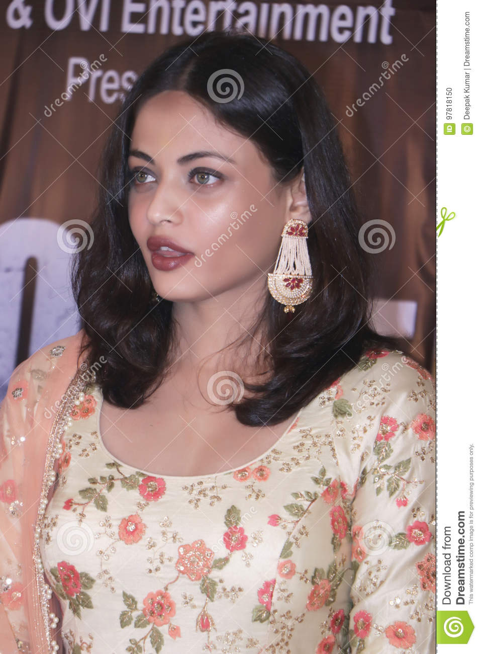 Discussion on this topic: Lucy Davis (born 1973), sneha-ullal/