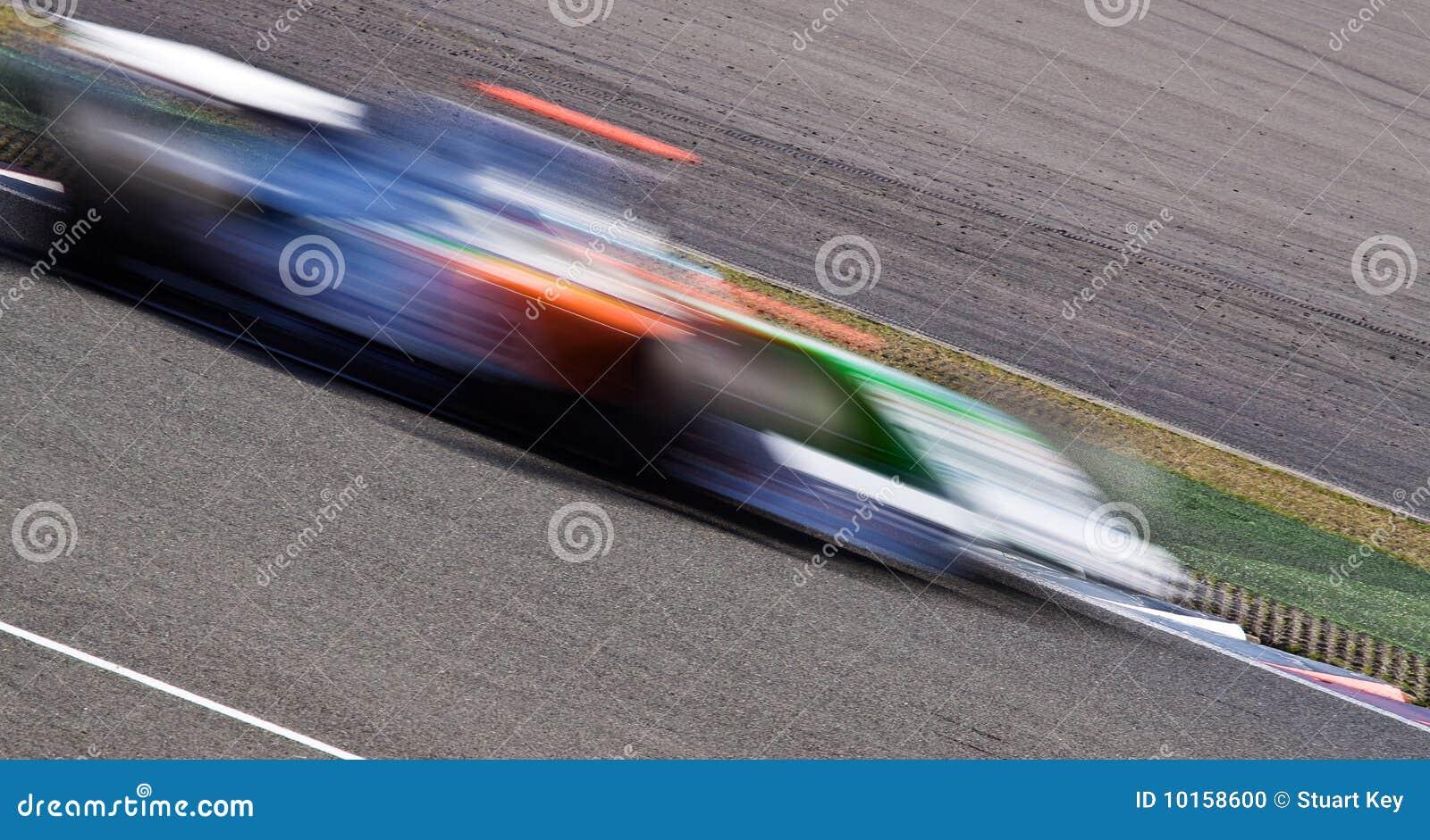Snel raceautoonduidelijk beeld