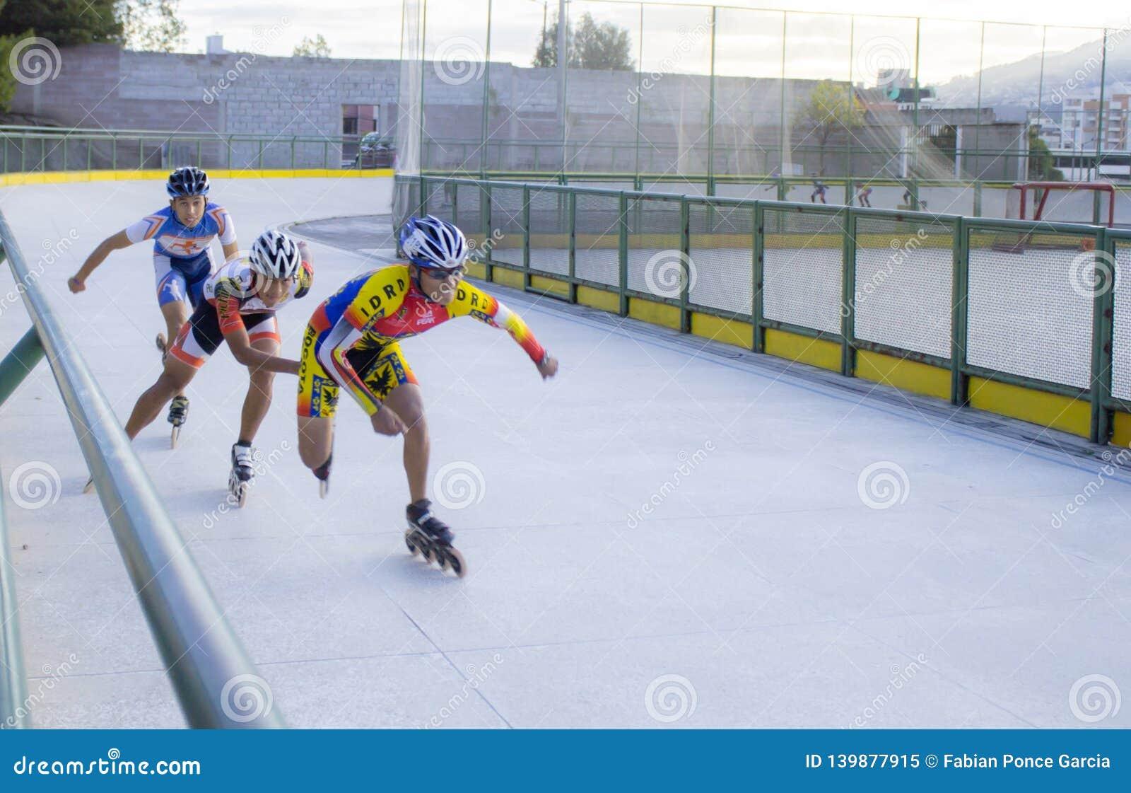 Snelheidsschaatsers op wielen
