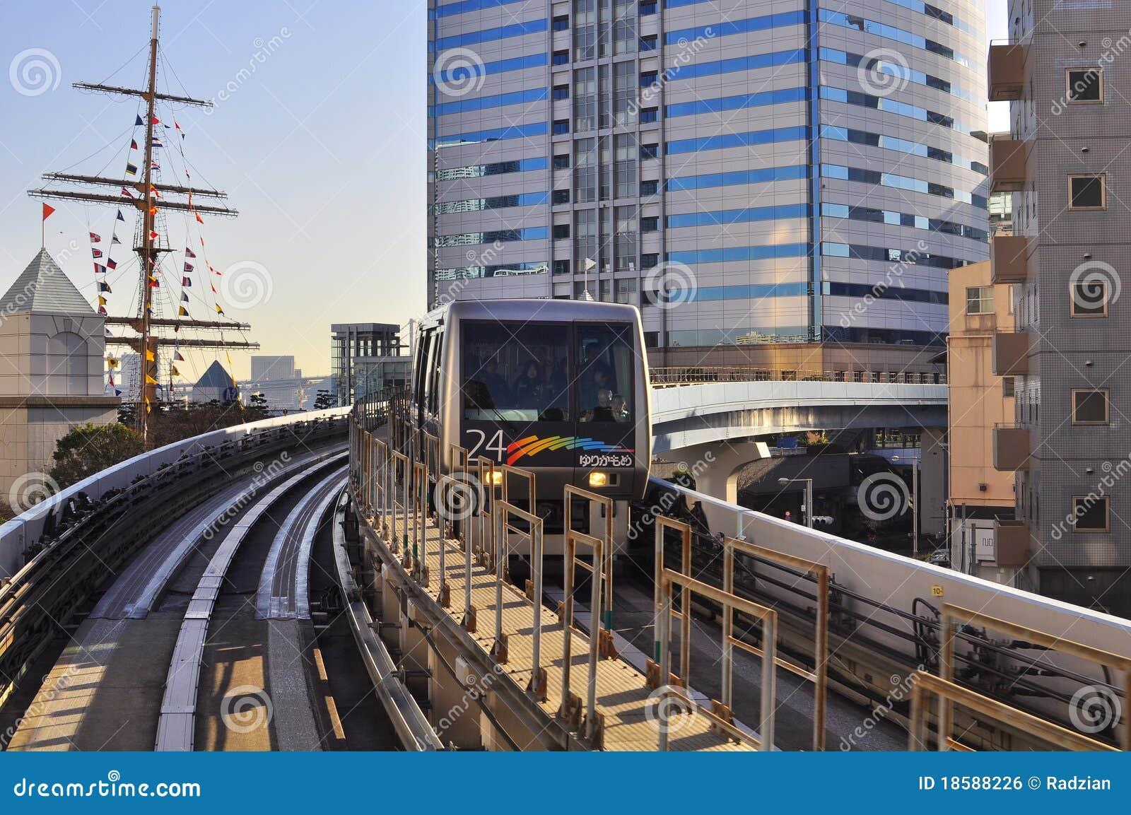 Snelle Trein in Tunnel
