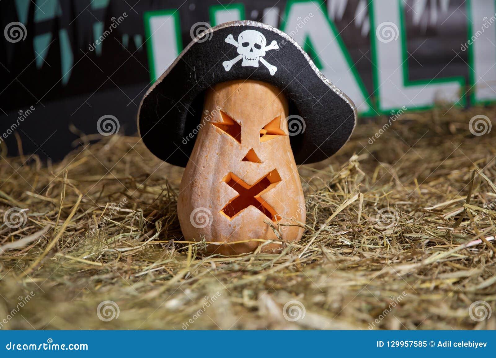 Sniden halloween pumpa Allhelgonaaftonpumpa som grinar i det mest onda modeet Spöklik lykta för allhelgonaaftonstålarnolla Pumpa