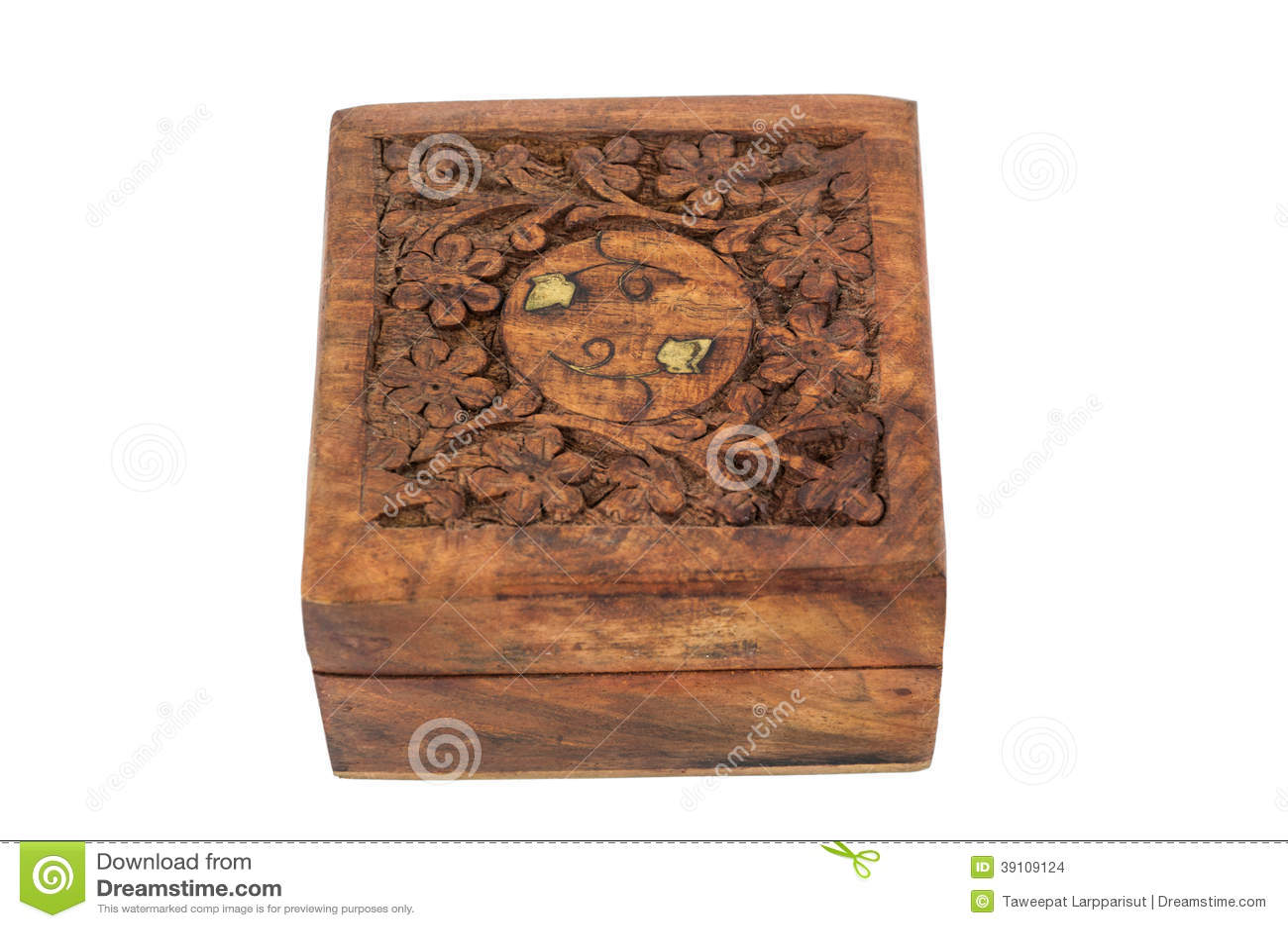 Snijdende houten doos
