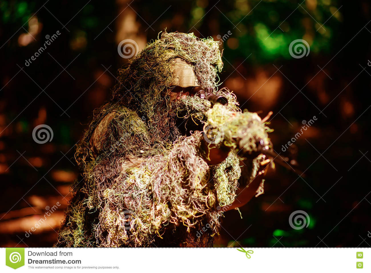 72 Ghillie Suit Wallpapers On Wallpaperplay: Sniping Stock Photos