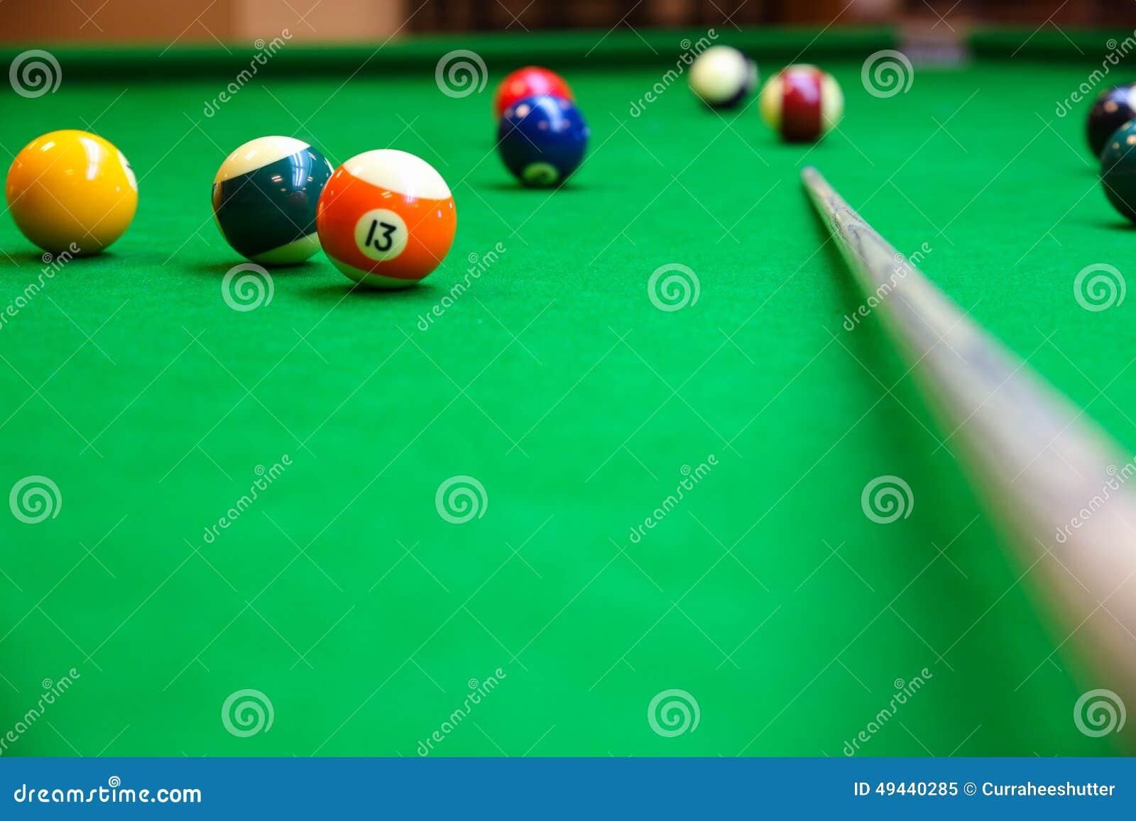 Snookerbal op snookerlijst, Snooker of Poolspel op groene lijst, Internationale sport