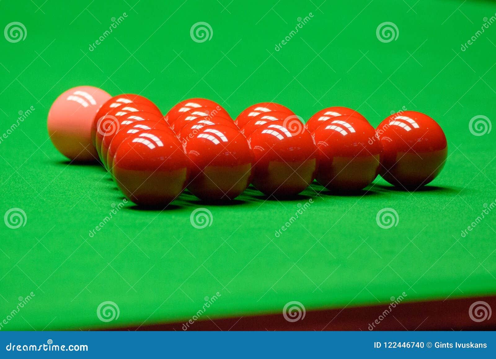 Snookerballen op groene lijst