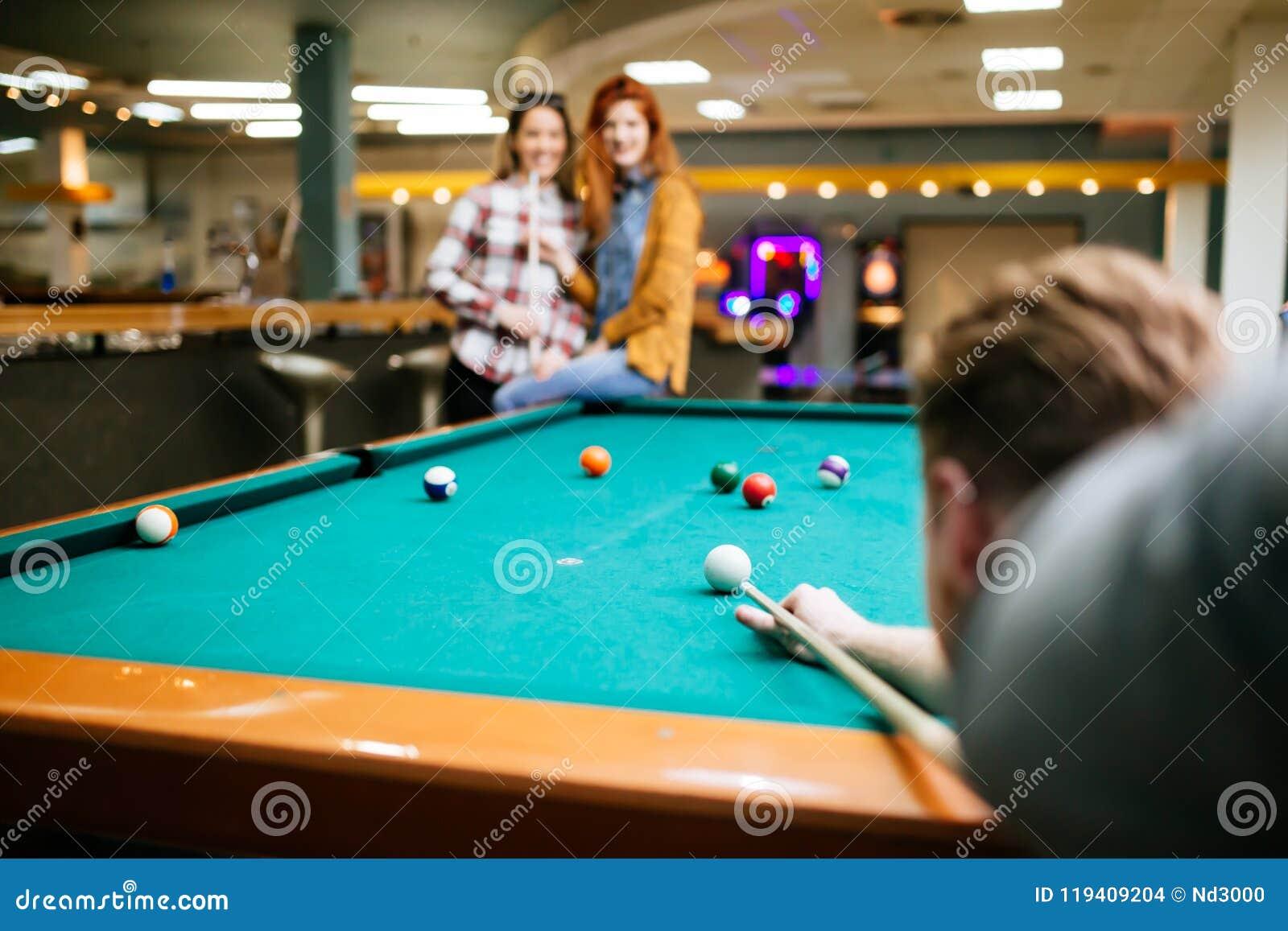 Snookerspeler die naar snookerlijst streven