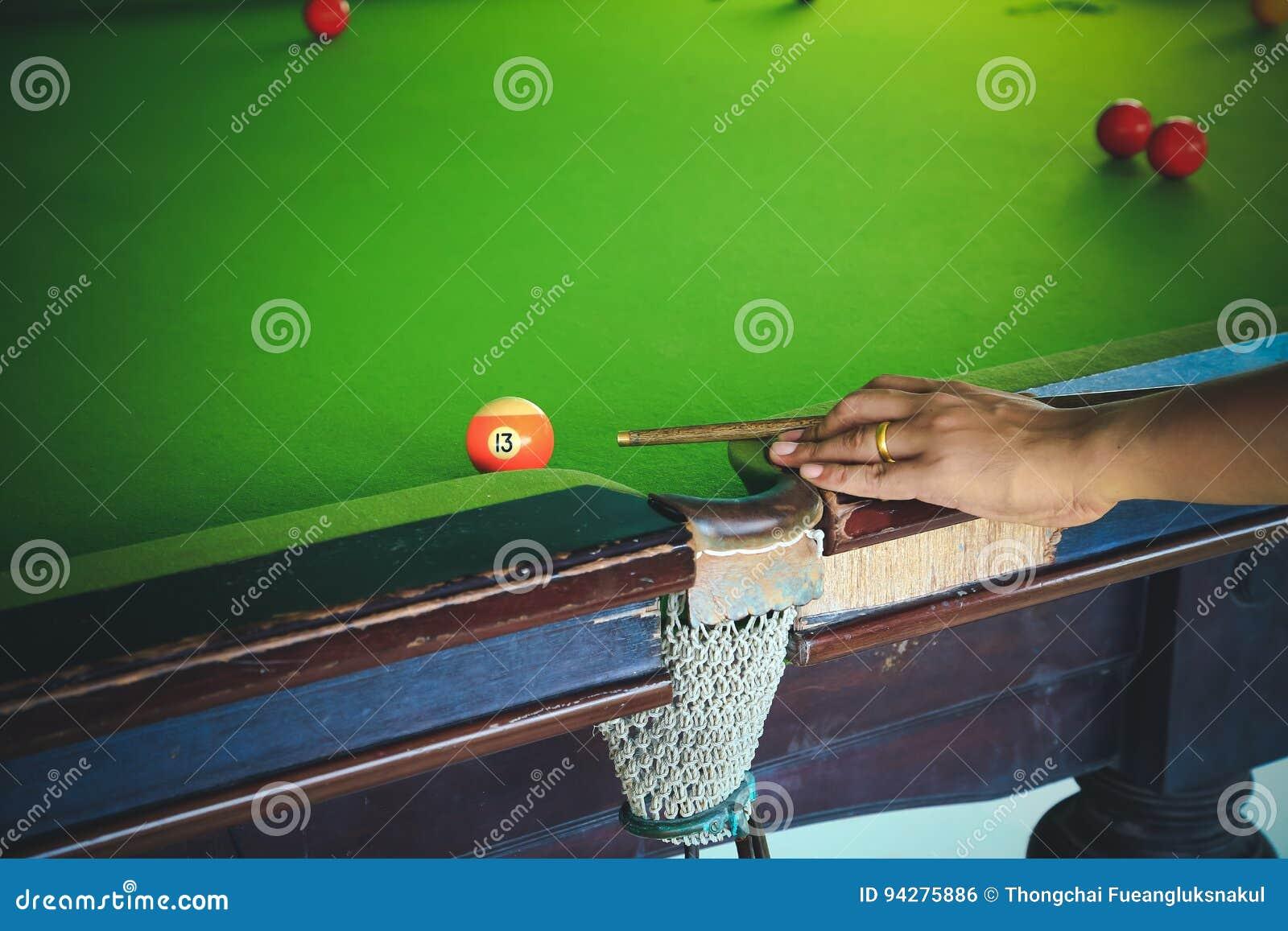 Snookeru gracz, mężczyzna sztuki snooker, Przystosowywa koloru brzmienie