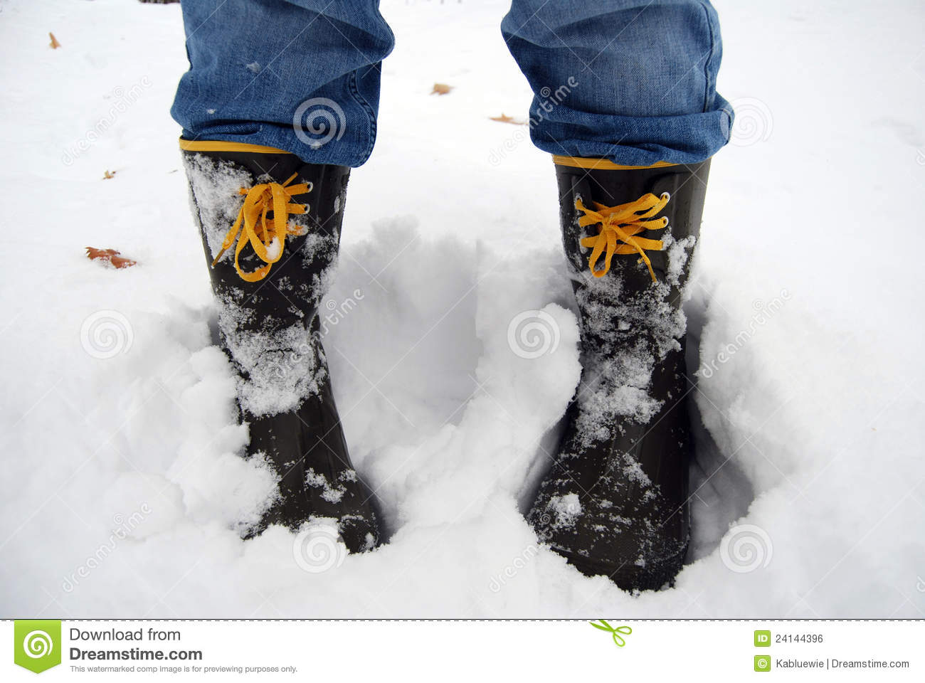 Boots In Snow Royalty Free Stock Photos - Image: 36949098