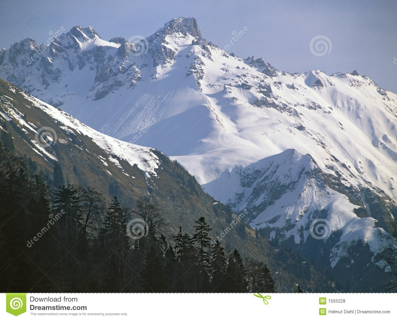 SNOW_IN_THE_MOUNTAIN