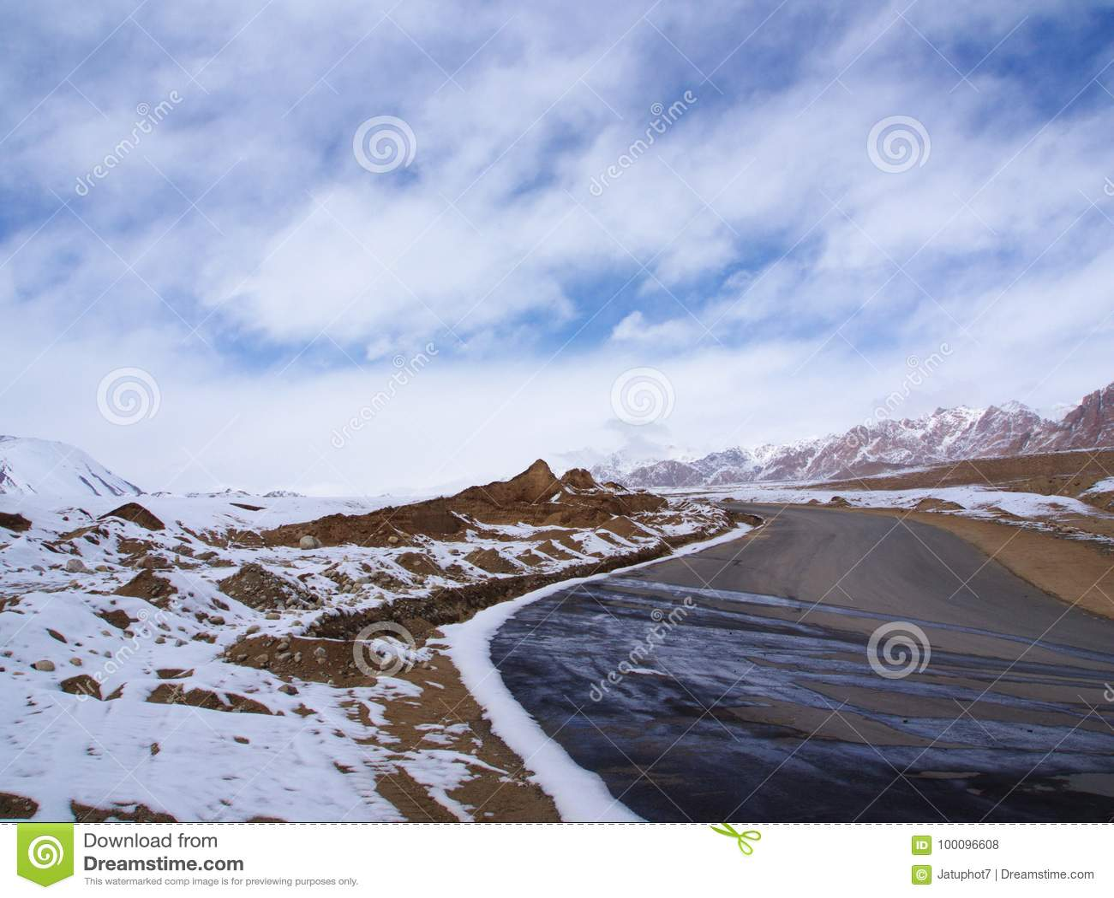 Snow Mountain Road from Leh to Manali, Tibetan Himalaya Road