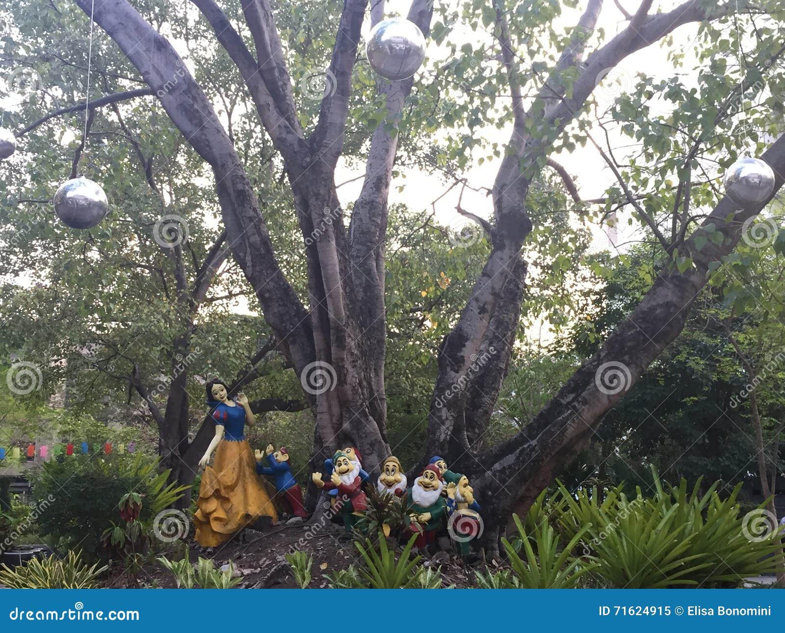 Snow white bangkok